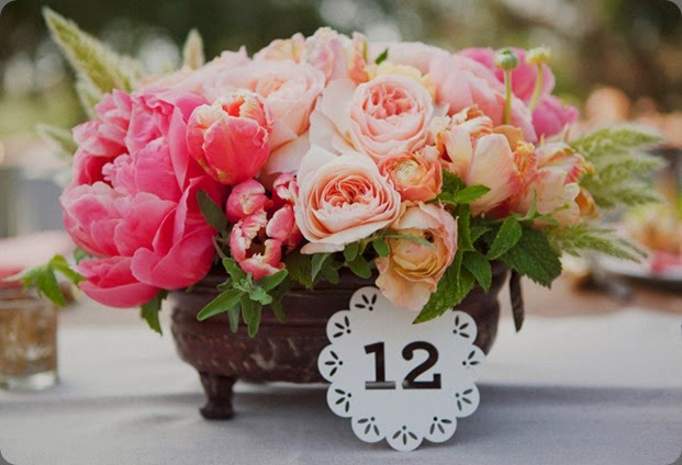 table number jl design and this modern romancelas_virgenes_preserve_10