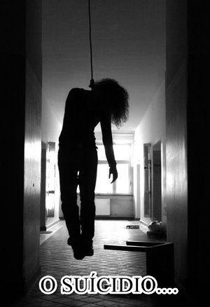 suicidio-mulher-enforcada