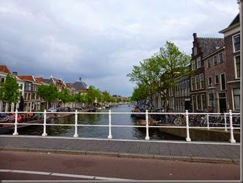 Leiden-14 305