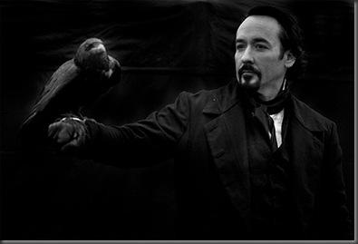 John-Cusack-en-The-Raven