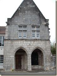 Monument civil, élevé dans le quartier juif, près de l'ancienne halle édifiée par Philipe-Auguste. Ancien bureau de change des monnaies.