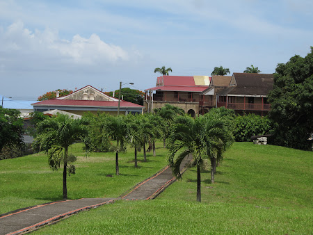 4. Universitatea Castries.jpg