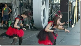 BABYMETAL_catch-me-if-you-can_13