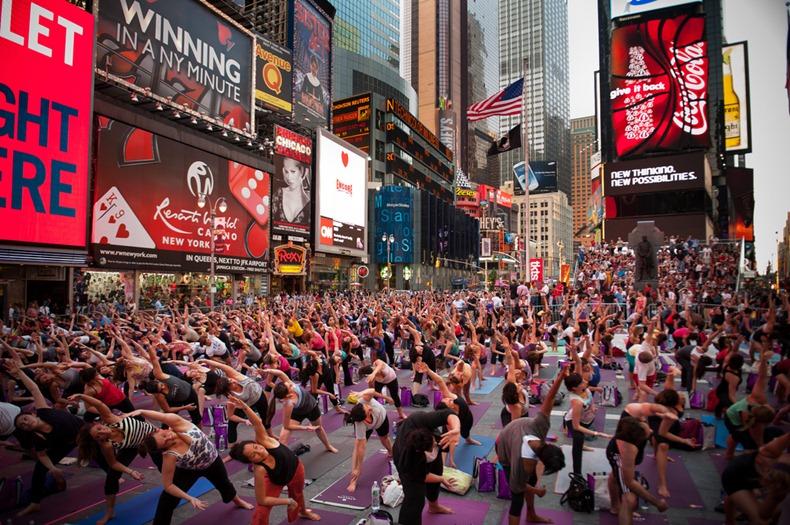 times-square-yoga-4