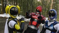 Over-Time-Unofficial-Sentai-Akibaranger-03-F832F1E3.mkv_snapshot_06.15_2012.05.06_11.45.38