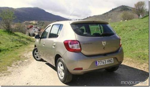 Dacia Sandero Laureate TCe 90 02