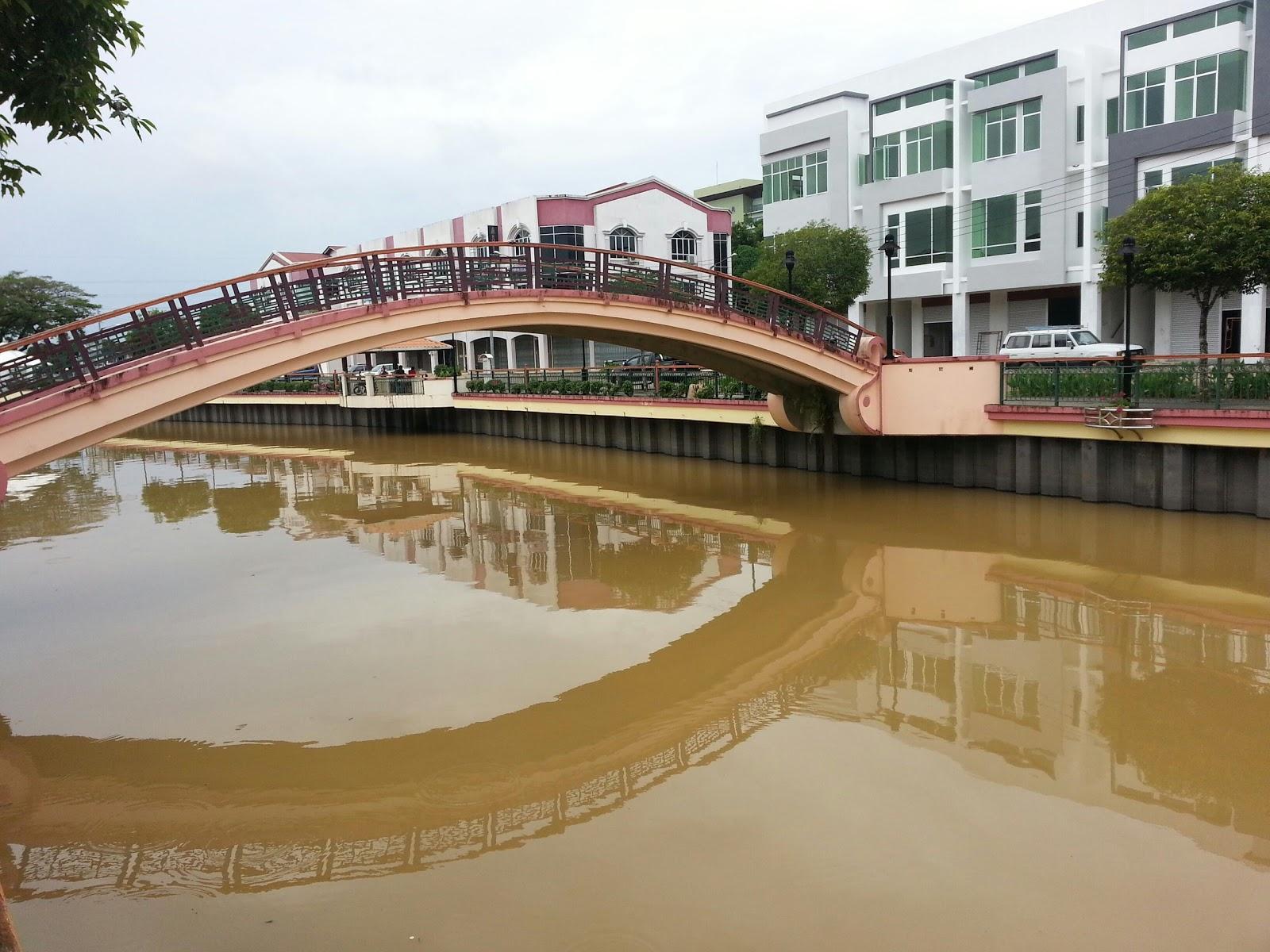 Discover Sibu, Sarawak: Wong Nai Siong Garden 黄乃裳公园