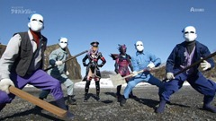 Over-Time-Unofficial-Sentai-Akibaranger-01-24D0375C.mkv_snapshot_19.12_2012.04.24_23.45.51