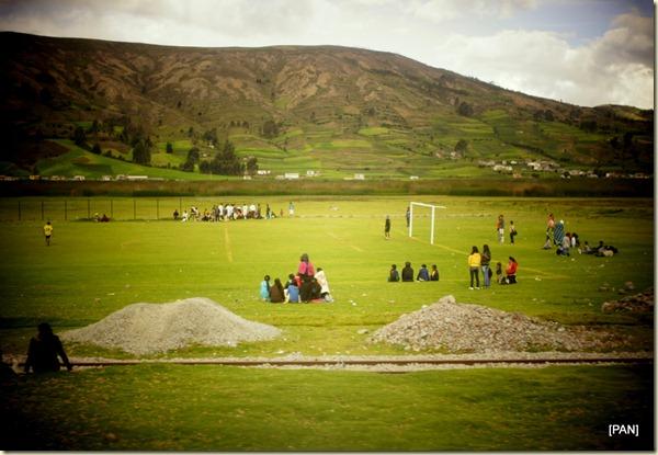 在這熱愛足球的國家,高山地區亦是相同,在這群山環抱、無比遼闊的足球場地上奔跑,感覺十分奇妙。