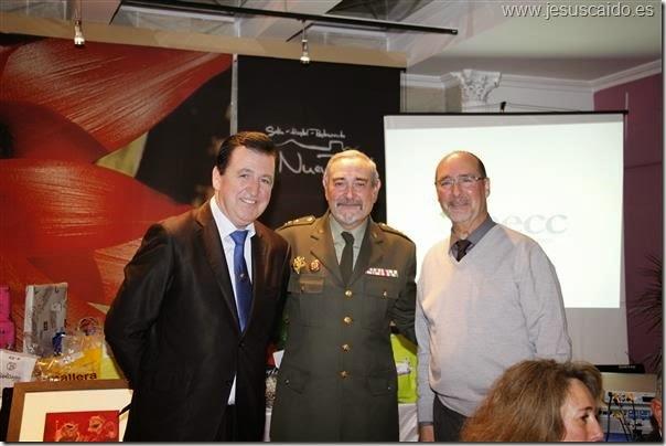El General Coca con el Secretario General y el Consiliario