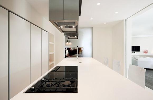 cocina moderna de estilo minimalista en color blanco