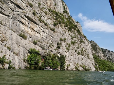 Croaziera pe Dunare: sub Ciucarul Mare
