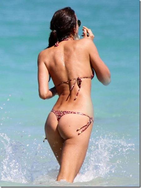 celebrity-beach-bum-33