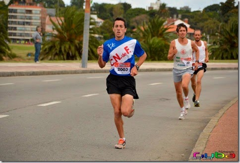 Rodrigo Mendez en Carrera