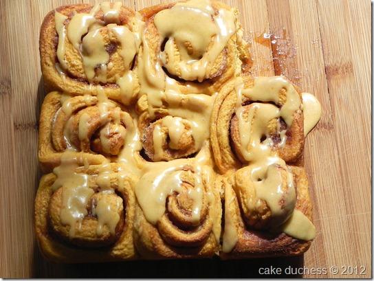 pumpkin-cinnamon-rolls-7