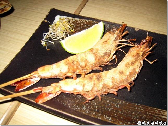 十九酒食居酒屋。七味海老串揚(就是鹽烤明蝦嘛!)NTD160,烤得雖然香酥可口,可是這蝦子怎麼稍微有點腥味!個人不建議。