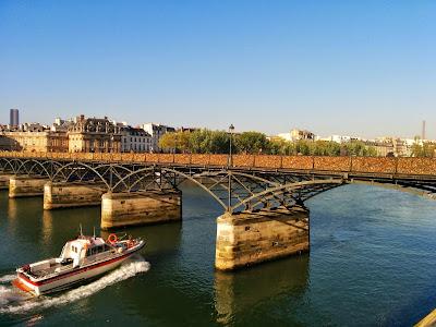 Pont de l'Archevêché view.jpg