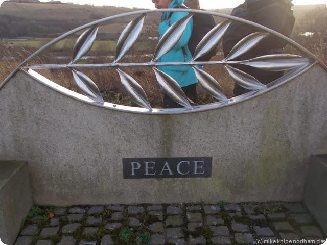 war memorial at willington