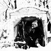 076_Marzec1978_Herbatka_w_kapliczce.jpg