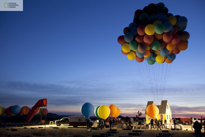 Flying-Balloon-House-Inspired-by-Disney-Pixar-Movie-Up-3.jpg