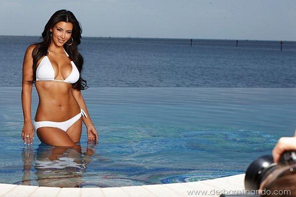 kim-kardashian-linda-sensual-sexy-sedutora-boob-peitos-decote-ass-bunda-gostosa-desbaratinando-sexta-proibida (114)