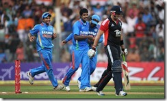 varun aaron_wicket taking
