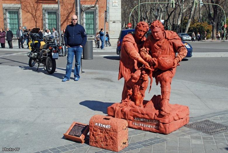 living-statues-larambla4