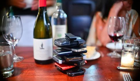 The Phone Stack- un divertido juego para dejar de usar el celular