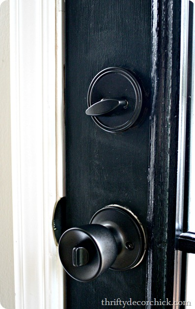 How to spray paint brass door knobs from thrifty decor chick for How to spray paint doors