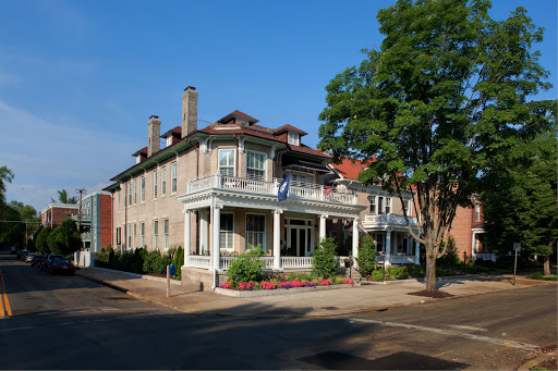 Maury Place at Monument Luxury Richmond, VA bed and breakfast overlooking Monument Avenue photo by Lee Brauer