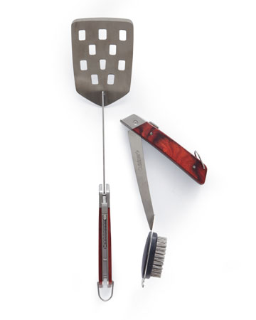 This Cuisinart 3-piece grill tool set (cuisinart.com) fits almost anywhere.