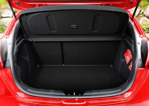 Yeni-Kia-Pro-Ceed-GT-2014-78.jpg