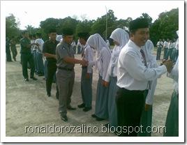 Penyerahan Piala Juara Parade Tari Kabupaten Kuantan Singingi 5