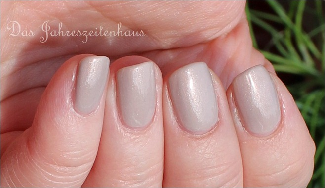 Beige Essence Crystallized 03 Iced Age Reloaded