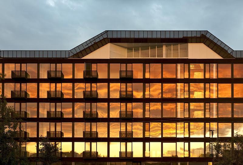 01-stay-copenhagen-holgaard-architects-hay.jpg