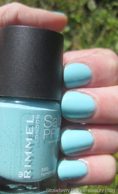 Rimmel-Salon-Pro-Peppermint-mint-nail-polish-review-swatch