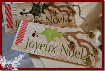 Joyeux Noel Signs Border