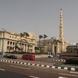 Place principale devant le Sofitel