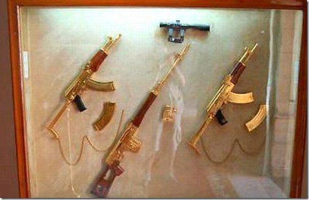 Armas de Ouro de Saddam Hussein (2)