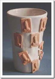 Caos, vaso ceramica h30 cm portafortuna con falli (Angela Campanile 2010 picc.)