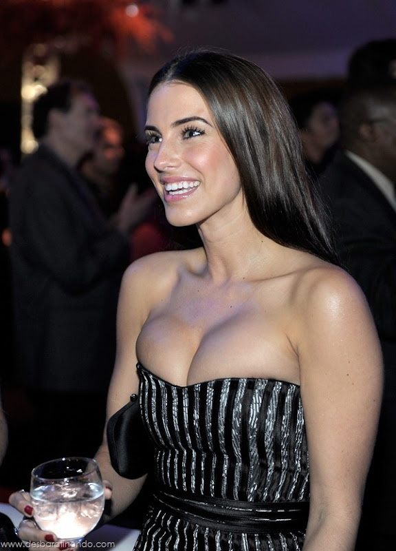 jessica-lowndes-boobs-tits-linda-sensual-sexy-peitos-decote-desbaratinando-sexta-proibida (11)