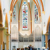 4. Inzingen in een mooie kerk.JPG