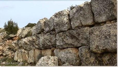 Muralla ciclópea - Castellar de Meca