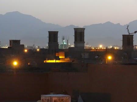 29. Turnuri in Yazd.JPG