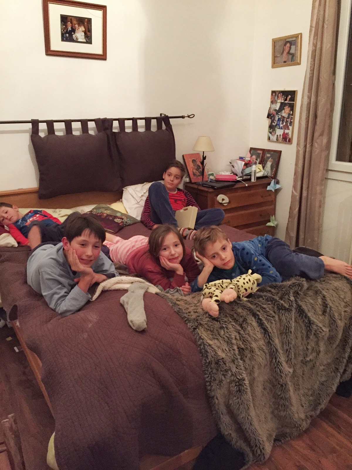 journal de bord de super papa une nuit chez la famille d 39 adoption pour mes princes. Black Bedroom Furniture Sets. Home Design Ideas