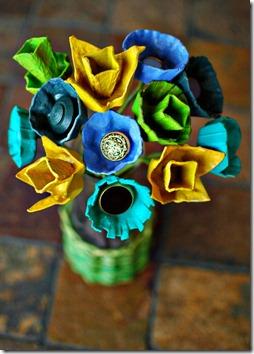 flores cajas de huevos
