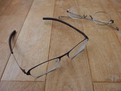 [写真]新旧メガネ