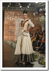 Ali-Xeeshan-bridal-2012-in-PFDC-LOreal-Paris-Bridal-Week-3