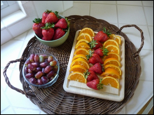 Boys pictures and healthy fruit display for blog 004 (1024x768) (800x600)