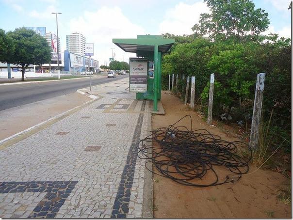 Roubo de cabos Avenida Roberto Freire